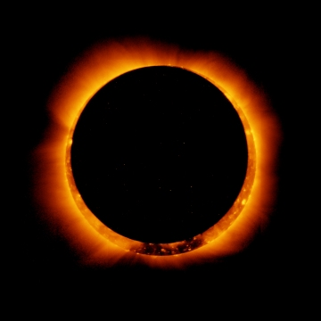main_wide_corona_eclipse